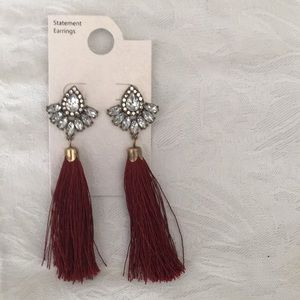 💋NWT Awesome Hanging Tassel Rhinestone Earring 💋